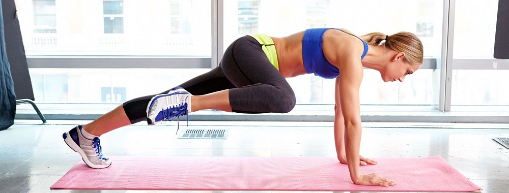 spiderman plank crunch for abs