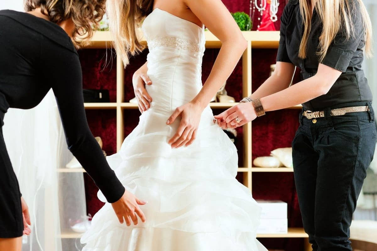 How To Choose A Wedding Dress That Flatters You
