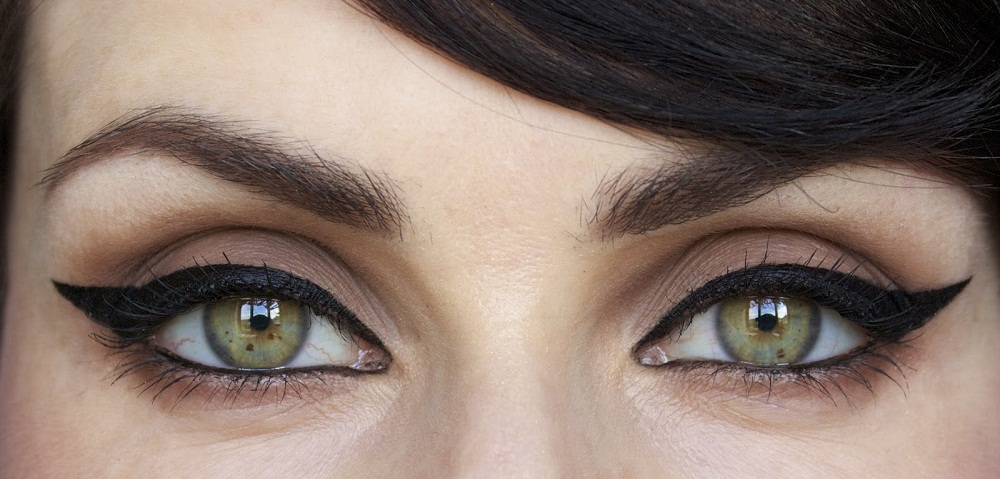how to apply eyeliner perfectly
