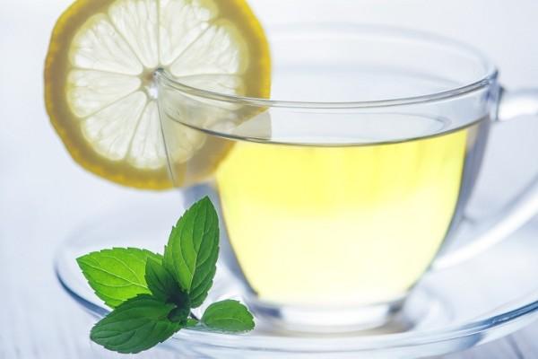 How to Make Lemon Water Detox Drink