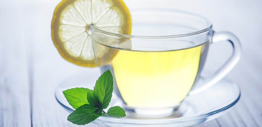 How to Make Lemon Water Detox Drink