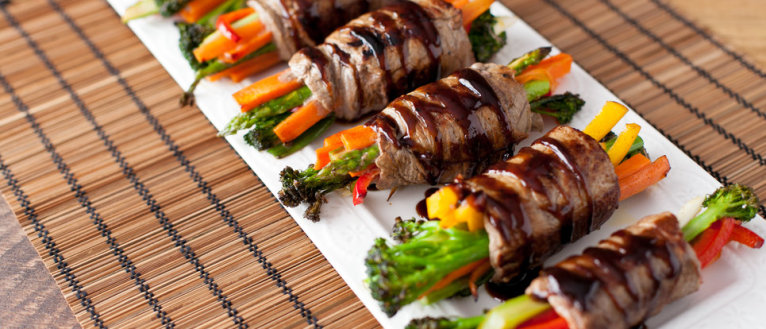 Balsamic Steak and Veggie Rolls