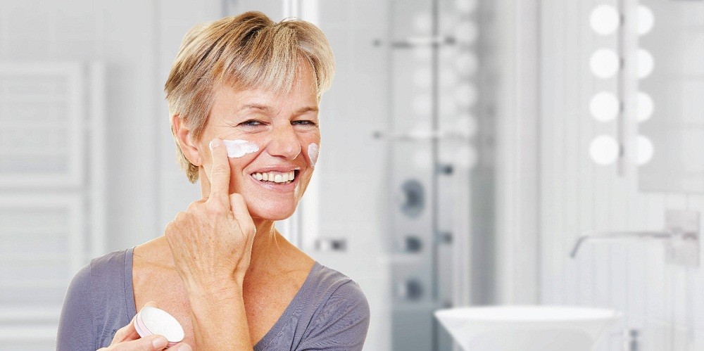 skin-care-moisturize-for-women-over-40s