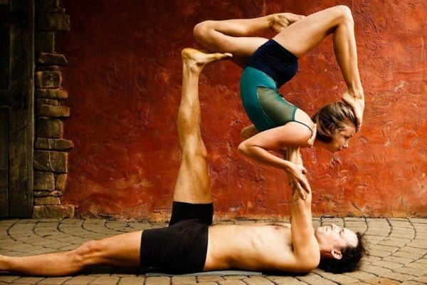 top-5-couples-yoga-poses