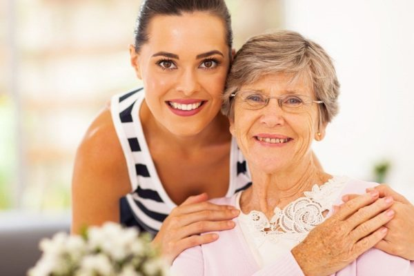 Why In-Home Senior Aide Matters A Lot For Aging Parents