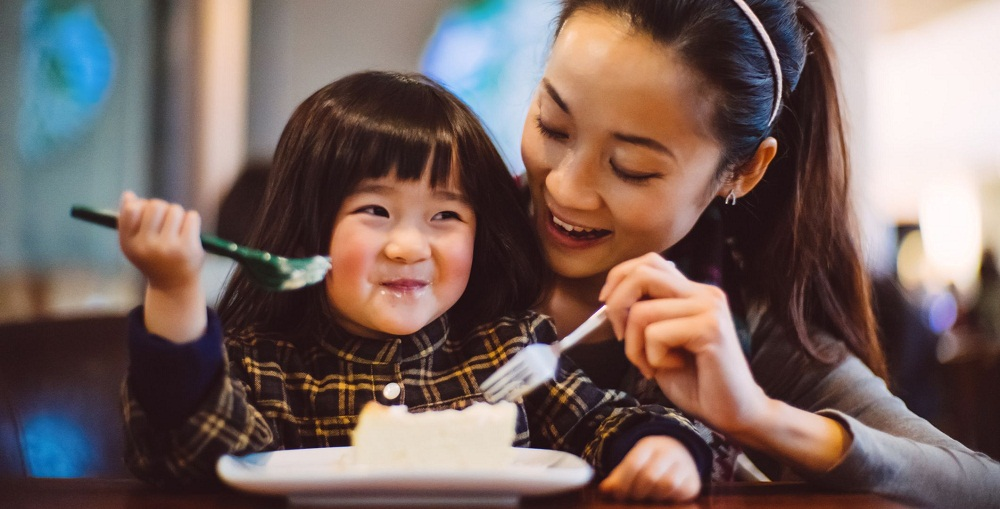 Raise your child with healthy eating habits