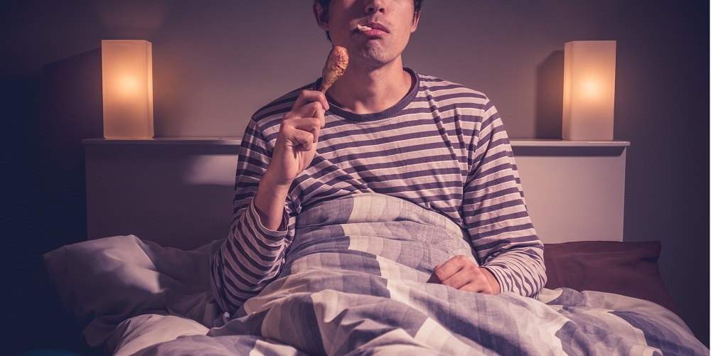 is eating at night bad for you