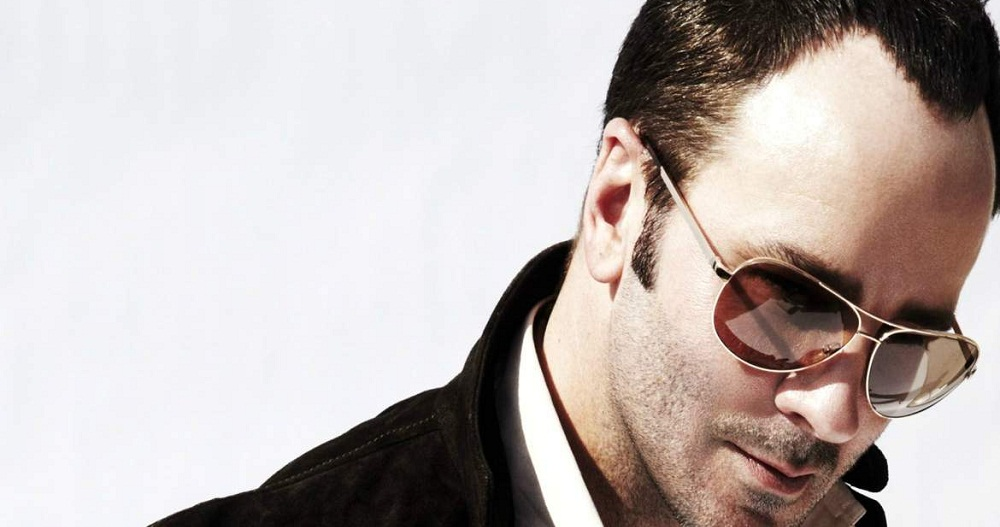 men wearing Aviators sunglasses