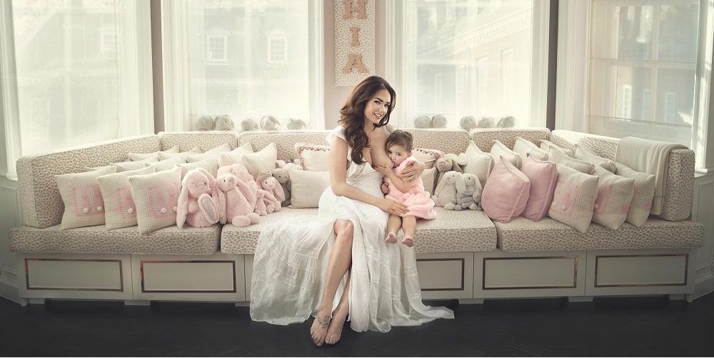 pictures of model Tamara Ecclestone breastfeeding