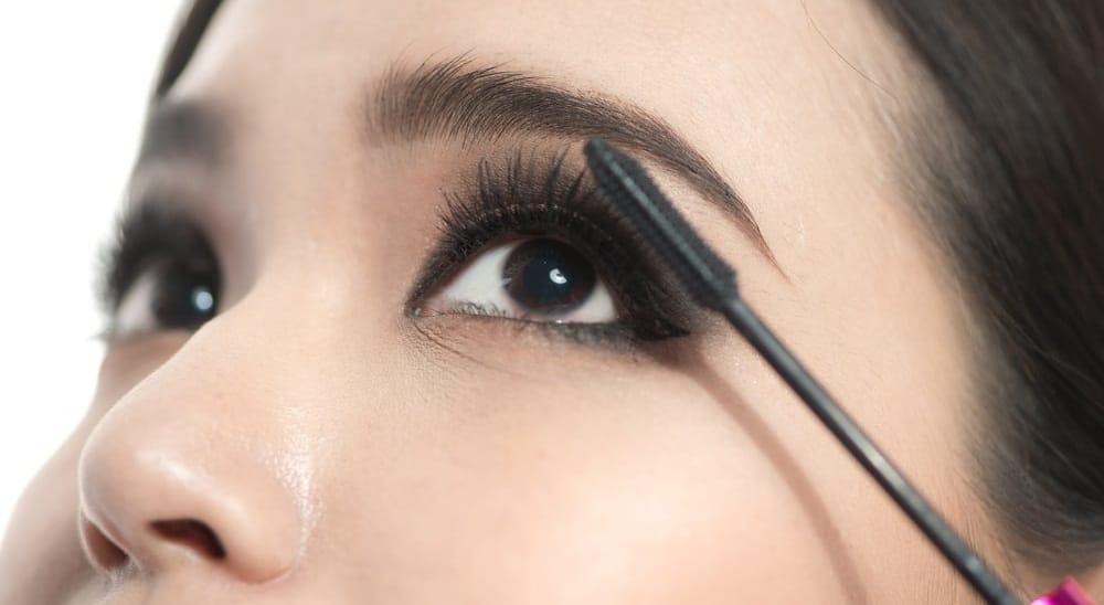 Can I Apply Mascara To Lash Extensions?   MyBeautyGym